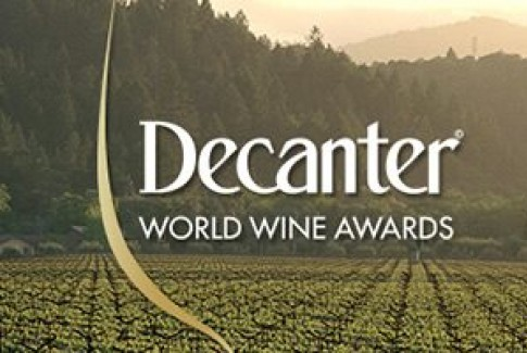 DOPPIA MEDAGLIA AI DECANTER WORLD WINE AWARDS